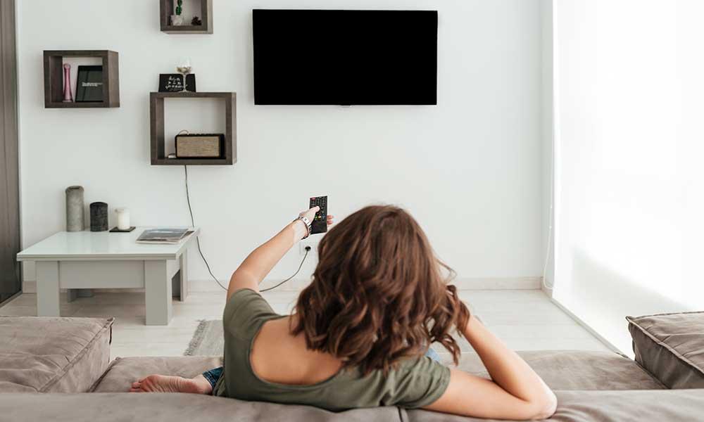 ویژگی افراد سخت کوش در زندگی و کسب و کار : عدم تماشای تلویزیون