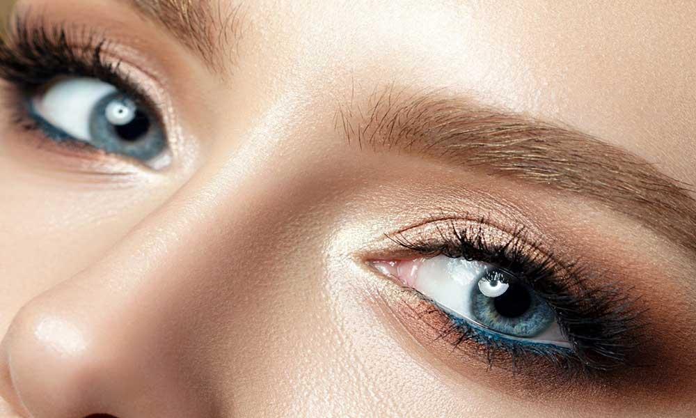 انواع آرایش چشم : آرایش لایت
