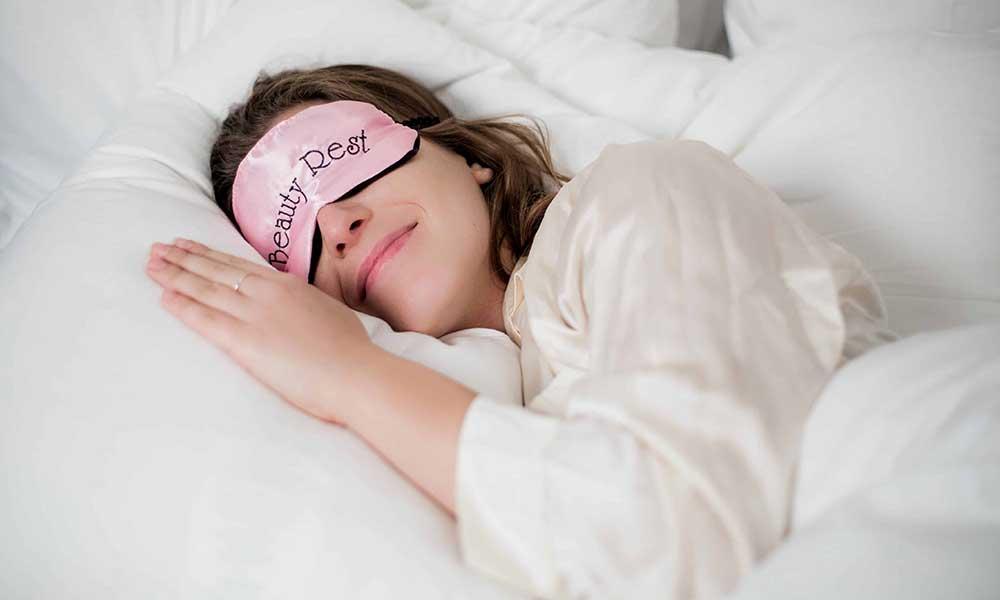 خواب آرام و تاثیر آن بر زیبایی صورت